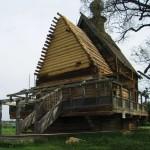 Деревянная постройка в Суздале