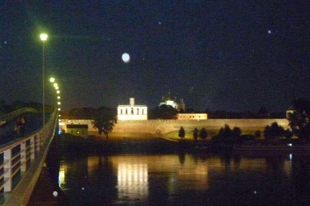Ночной Кремль в Великом Новгороде