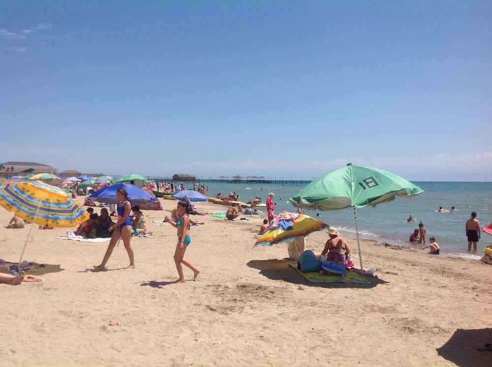 Пляж в Чолпон-Ате