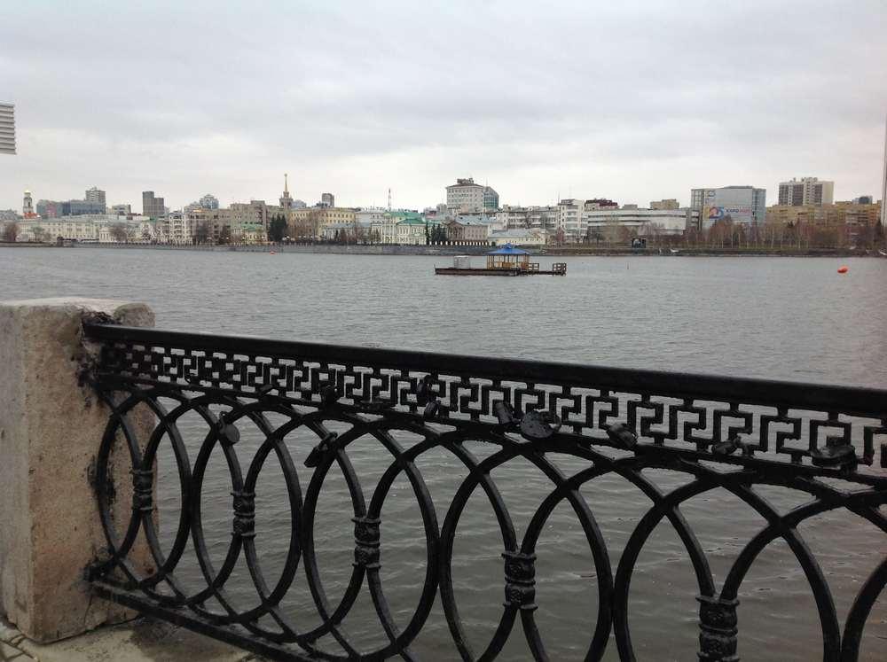 Река Исеть в Екатеринбурге