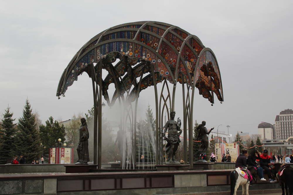 Фонтан на цветном бульваре в Тюмени
